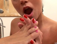 gorgeous chics lick feet